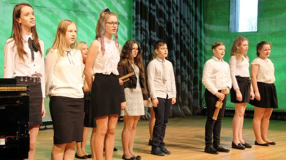 Annas Brigaderes  pamatskolas 5. -8. klašu ansamblis